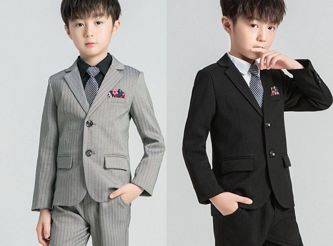 小学生の男の子の卒業式のスーツ